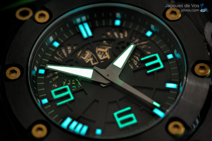 The Lume On The Linde Werdelin Oktopus Double Date Carbon Green After A Full Charge.