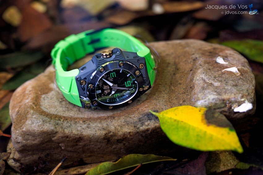 The Oktopus Double Date Carbon - Green Is Made From Extremely Materials Making It A Great Daily Wearer.
