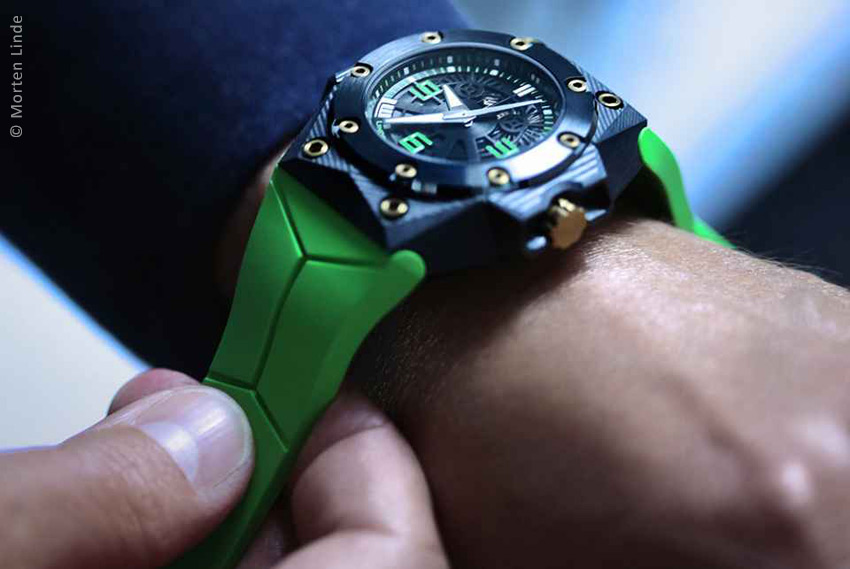 The Linde Werdelin Looks As Great With Formal Wear As It Does Underwater.